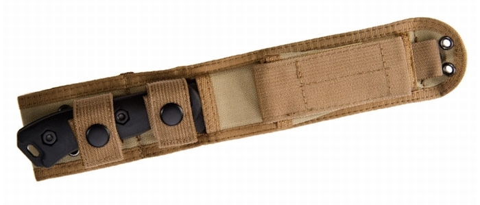 Il coltello KA-BAR BK16 Short Becker Drop Point al sicuro nel fodero Cordura®