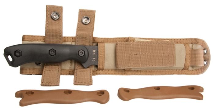 Il coltello da campo KA-BAR BK15 Short Becker Trailing Point nel fodero Cordura® (e il secondo manico marrone)