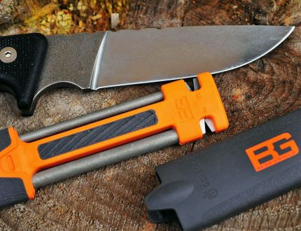 Affilatore per coltelli Gerber Bear Grylls Field in ceramica, diamante e carburo
