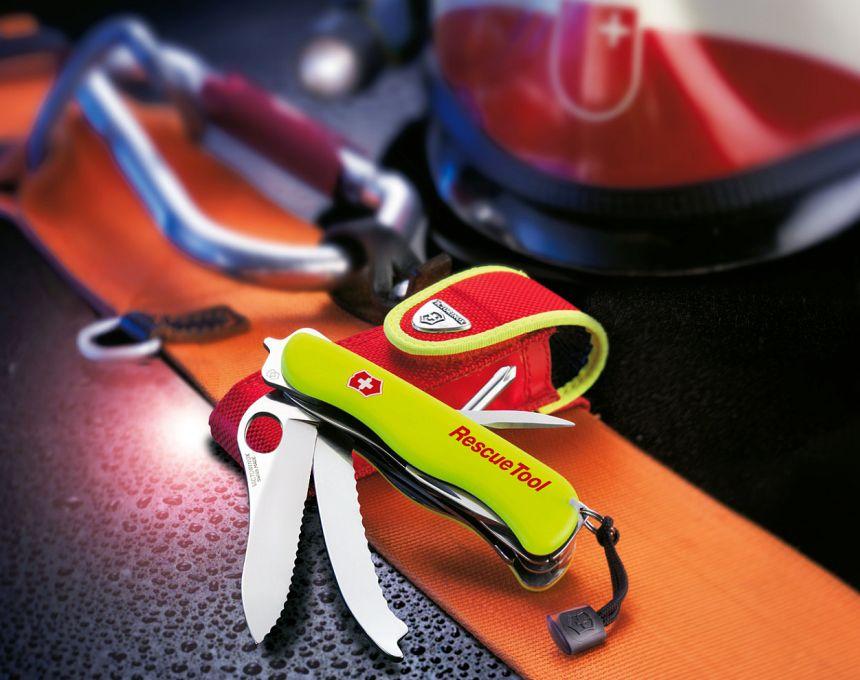 Con il coltellino svizzero Victorinox Rescue Tool è possibile acquistare separatamente l'elegante astuccio rosso con bordatura gialla