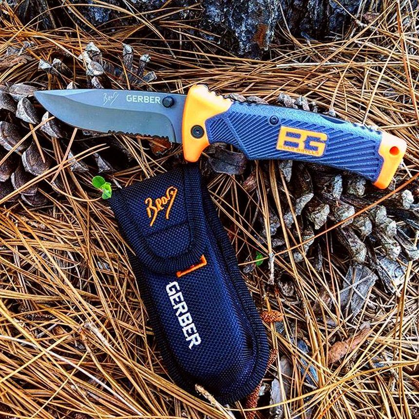 Il coltello a serramanico Gerber Bear Grylls nel suo ambiente naturale
