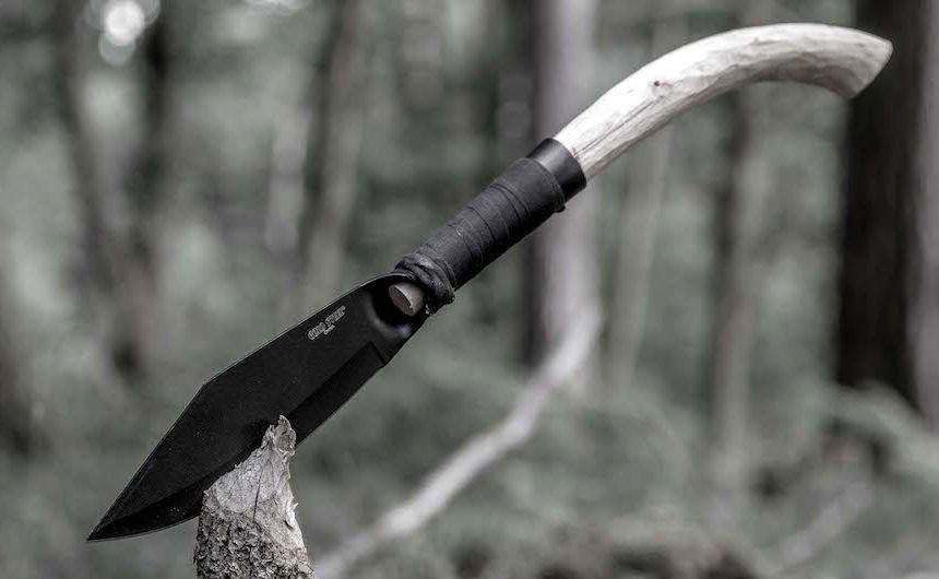 Nudo e crudo: coltello Cold Steel Bushman Bowie per avventure spartane all'insegna del survival essenziale
