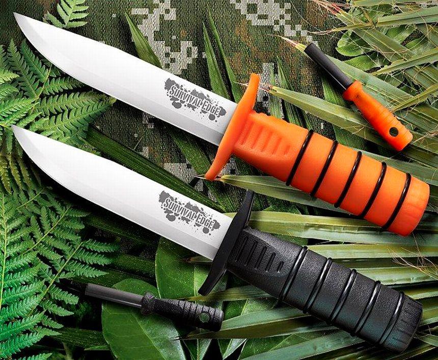 Confronto tra le due versioni nera e arancione del colello Cold Steel Survival Edge (l'unica vera differenza è il colore del manico del coltello e dell'acciarino)