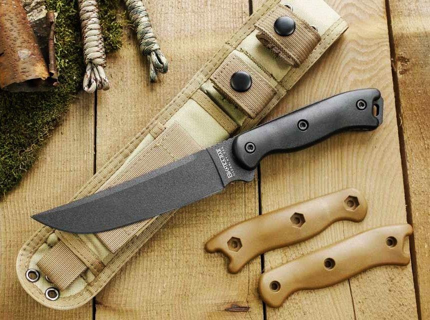 Il coltello da campo Ka-Bar BK15 Short Becker nel suo ambiente naturale