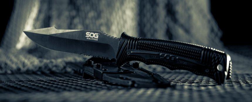 Coltello militare a lama fissa SOG SEAL Strike Black con lama in acciaio giapponese AUS-8