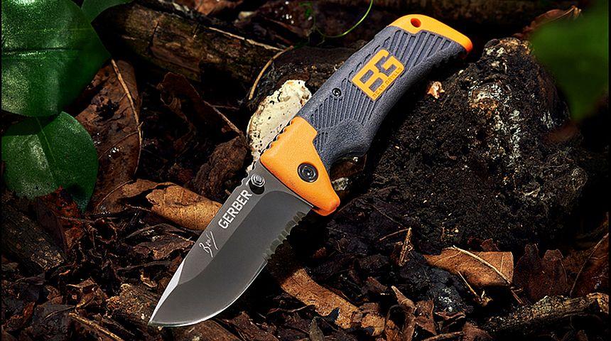Il coltello a serramanico Gerber Bear Grylls Scout nel suo ambiente naturale