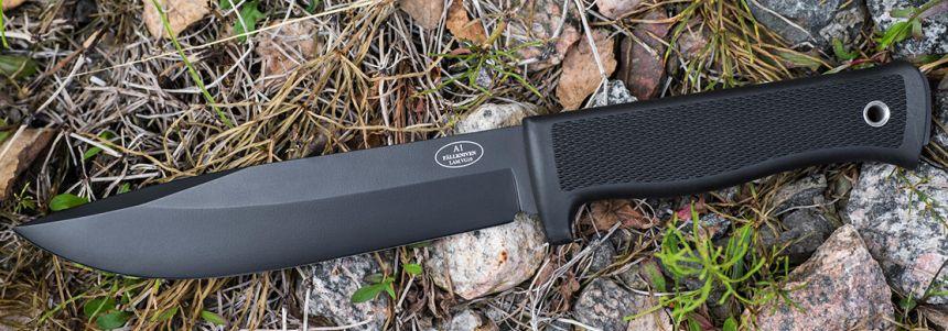 L'eccellente coltello survival Fällkniven A1 con lama antiriflesso in acciaio giapponese VG-10 al vanadio