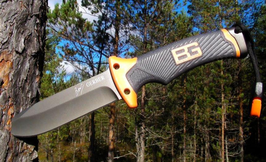 Il coltello survival Gerber Bear Grylls Ultimate Fine Edge nel suo ambiente naturale