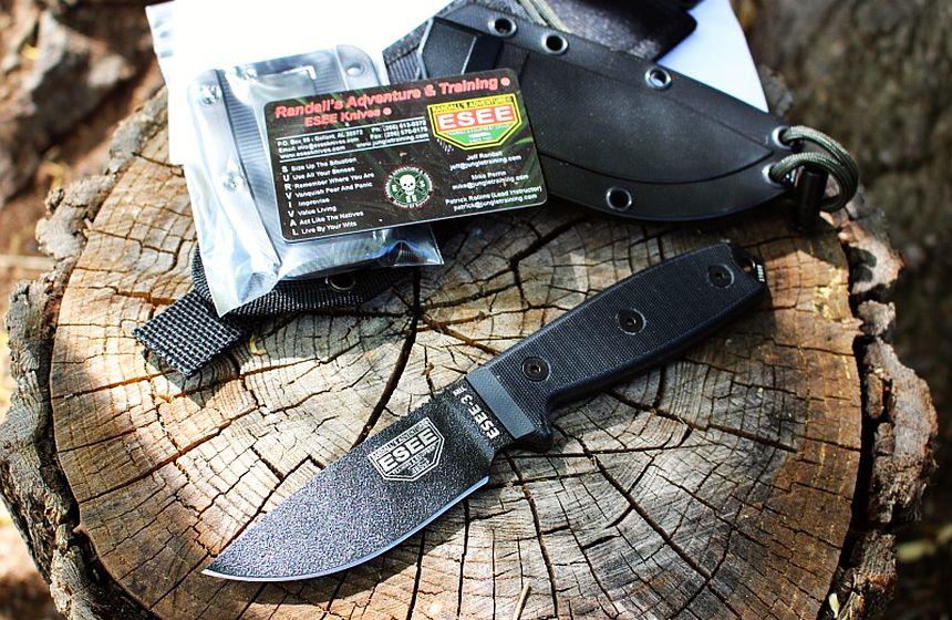 Il coltello ESEE-3MIL nel suo ambiente naturale