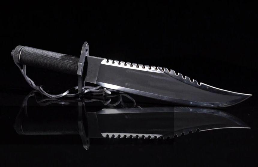 Il coltello da collezione Rambo 2 La Vendetta non è certo un giocattolo, ma un coltello vero a tutti gli effetti