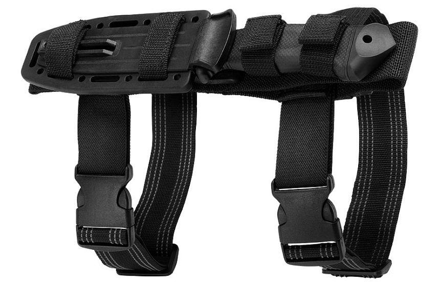 Il coltello tattico Gerber LMF II Infantry al sicuro nel fodero in Kydex e nylon balistico con ritardante di fiamma