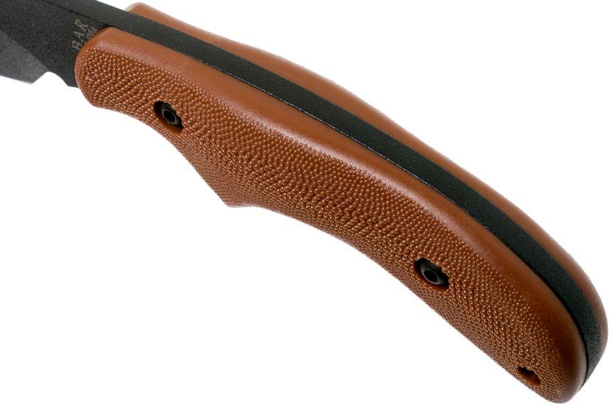 Primo piano del manico del coltello tattico KA-BAR Johnson Adventure Baconmaker (notare il notevole spessore della lama, che arriva a quasi 5 millimetri)