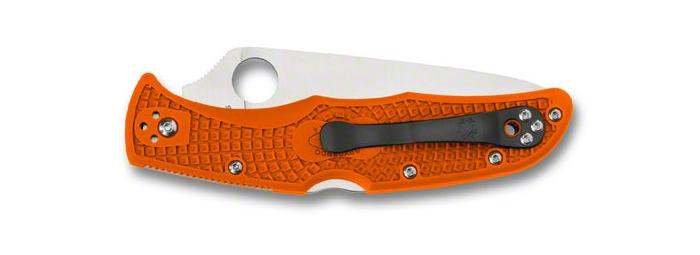Spyderco Endura 4 serrato (la clip in acciaio è reversibile e può essere avvitata anche sulla sinistra)
