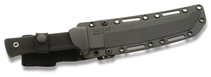 Cold Steel Recon Tanto al sicuro nel fodero Secure-Ex® (notare la sagomatura a punta Tanto)