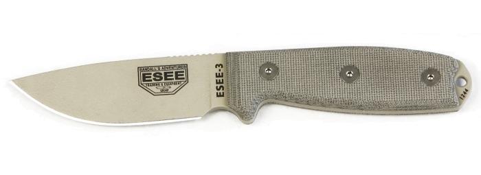 Il coltello ESEE-3 con lama al carbonio 1095 e manico con guancette in micarta