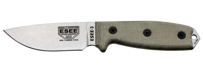 Il coltello ESEE-3 con lama al carbonio 1095 senza rivestimento e manico con guancette in micarta