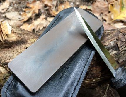 Il migliore affilatore Fallkniven per coltelli survival DC4 con pietra diamantata